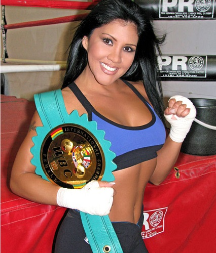 Mia St. John, Boxing -- Muay Thai training camp